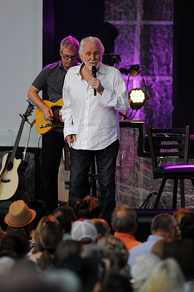 Kenny Rogers The Official Site Of Fraze Pavilion